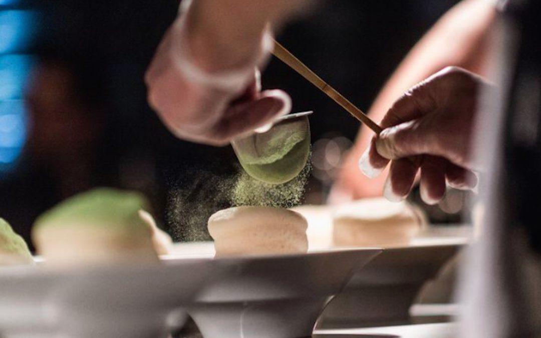 """Un recorrido por las cocinas """"abiertas al público""""L mesa del chef"""